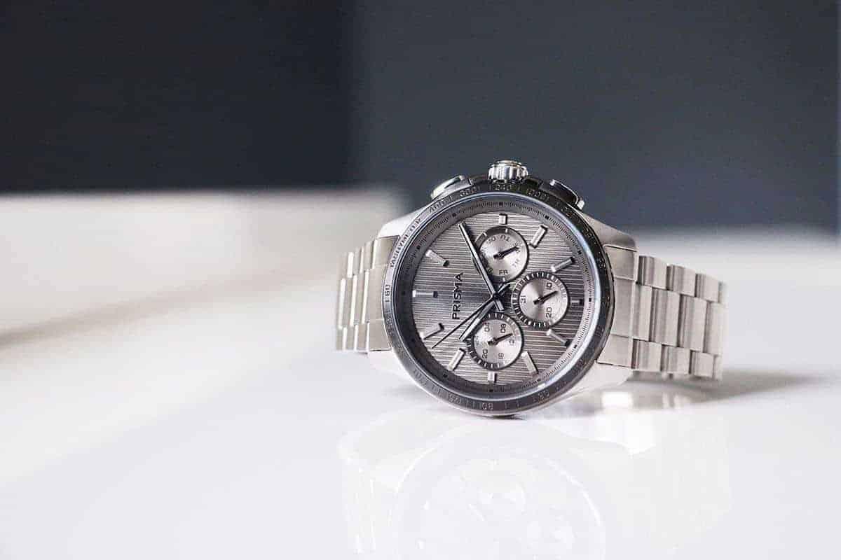 Prisma_watches-pattern_explore_grey_prisma-horloges