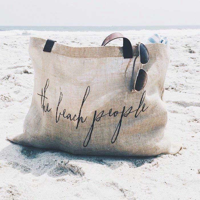 summer essential zomer beach bag people watch